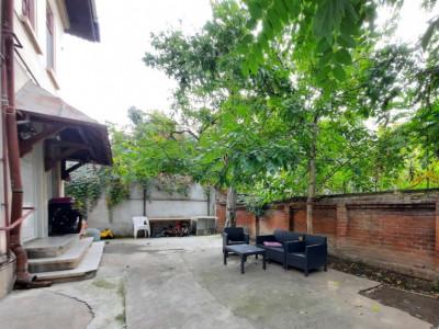 Vanzare 2 camere lux, in vila, Docentilor