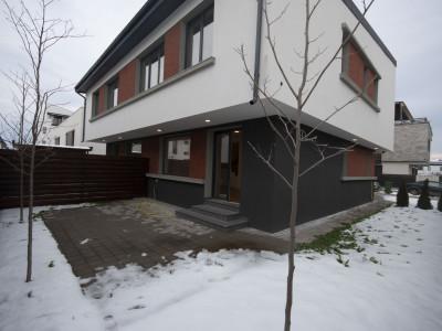Vila Duplex de vanzare in zona centrala Otopeni