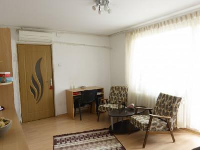 De vanzare apartament superb de 3 camere, Emil Racovita
