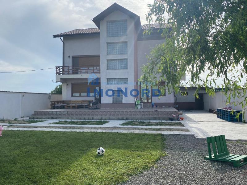 Vila generoasa si eleganta in Saftica 320mp