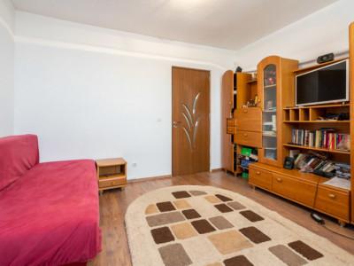 De vanzare - Apartament 3 camere, 75mp - Crangasi