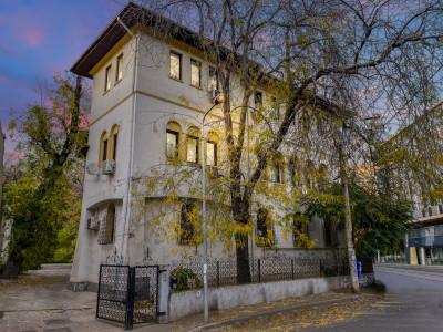 Inchiriere 245 mp etaj1 Vila Reprezentativa Universitate, Open Space(65mp+50 mp)